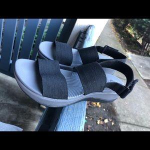 Clark's Women Arla Jacory Wedge Sandals Sz 7 US